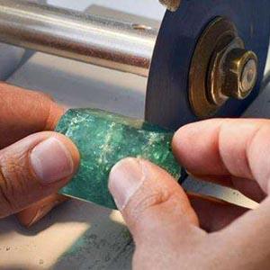宝石锯片切割图